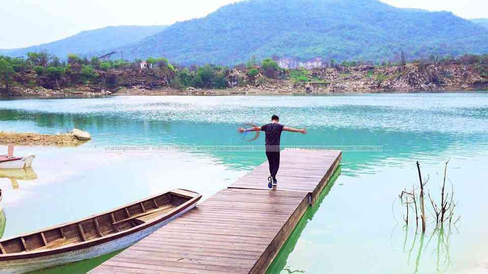 Mê mẩn với hồ đá xanh cảnh đẹp như tranh mới xuất hiện ngay gần Sài Gòn